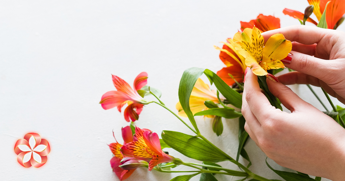 Сохранить срезанные цветы: альстрёмерия любит кислую воду.